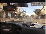 presidente electo de gambia toma posesion en senegal