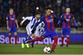 copa del rey: barcelona al fin gana en anoeta y toma ventaja