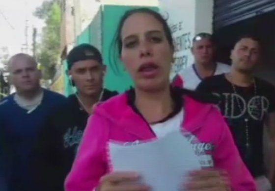 Opositora cubana varada en México busca asilo político en EEUU
