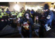 manifestantes preparan protestas en el gran dia de trump
