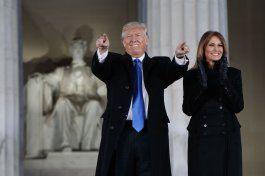 trump promulga leyes en su primer dia como presidente
