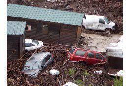 inundacion en california arrasa con cabanas en canon costero