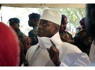 el lider de gambia cede a la presion y acepta dejar el poder