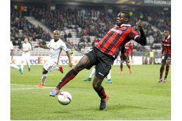 liga francesa detecta racismo de aficionados hacia balotelli