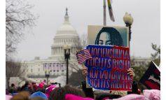Miles de mujeres protestan contra Trump en el mundo