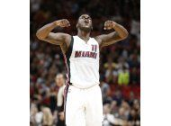 con 33 de waiters, heat vence a bucks