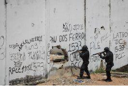brasil: policia interroga a 5 reos por motines en carceles