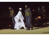 ex lider de gambia roba millones de dolares y huye del pais
