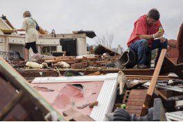 tornados y tormentas causan 18 muertos en el sur de eeuu