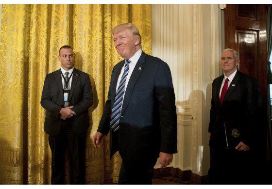 Trump inicia su primera semana laboral con agenda repleta