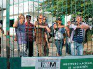 exiliados de miami envian ayuda a cubanos varados en mexico