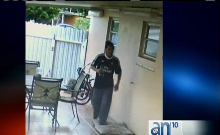 Autoridades buscan a un hombre que robó una vivienda en Miami Garden