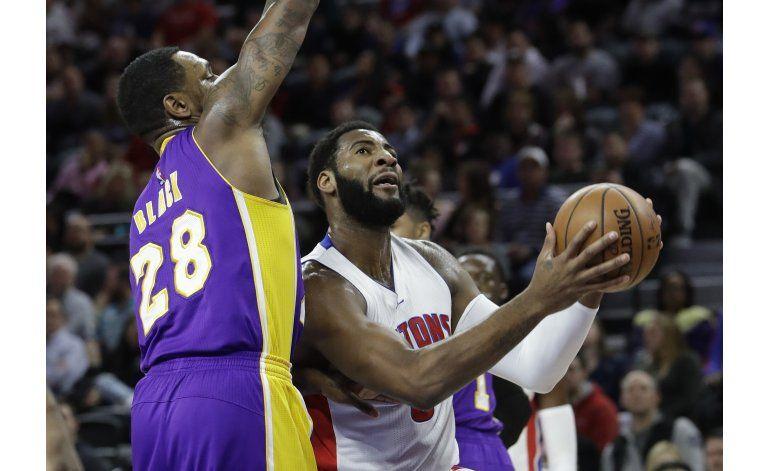Drummond y Pistons arrollan a Lakers