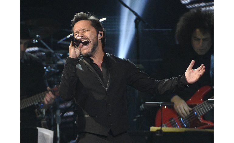 Diego Torres no asistirá al Grammy para estar con su familia