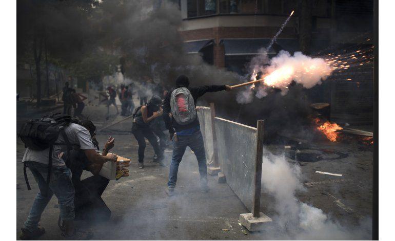 Brasil: Policía lanza gas lacrimógeno a manifestantes