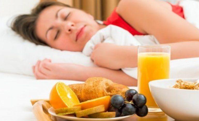 Por qué dormir más de 7 horas puede ayudarte a perder peso