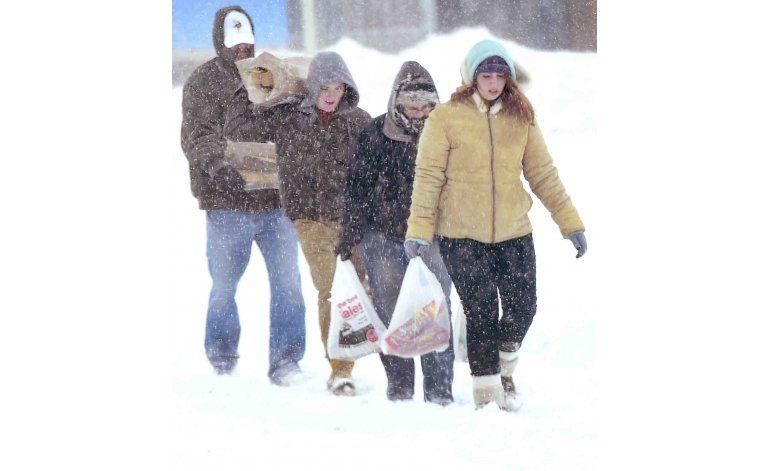 EEUU: Tras intensas nevadas, comienzan labores de limpieza