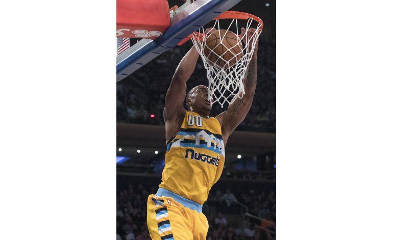 Jokic brilla con 40 puntos y Nuggets vencen a Knicks