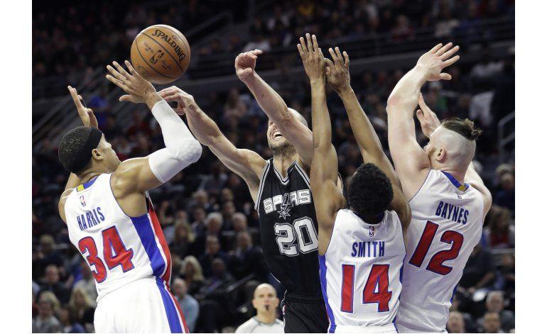 Spurs controlan de principio a fin y vencen 103-92 a Pistons