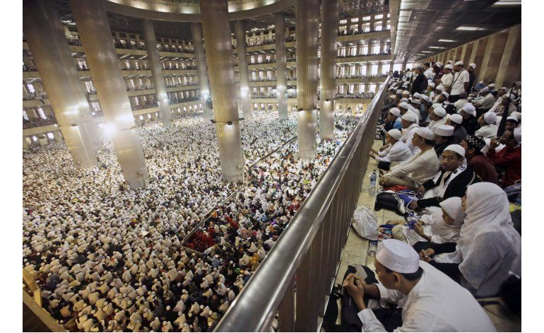 Indonesia: Clero pide votar a musulmanes en plegaria masiva