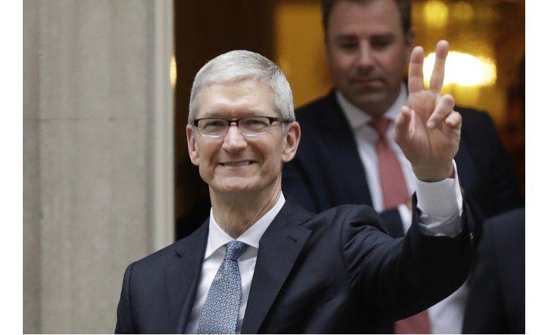 Las noticias falsas matan la mente, dice el jefe de Apple