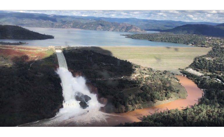 La presa más alta de EEUU abre aliviadero de emergencia