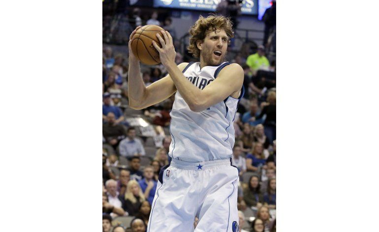 Mavericks aplastan al Magic 112-80, continúan su remontada