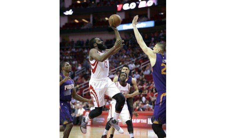 Harden lidera a Rockets sobre Suns con 40 puntos