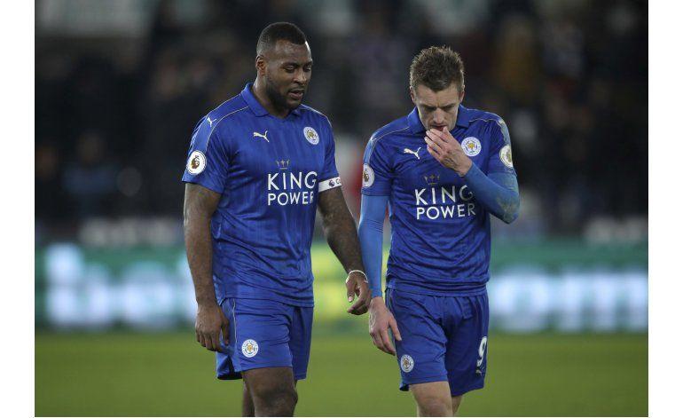 Chelsea desaprovecha; Leicester se hunde