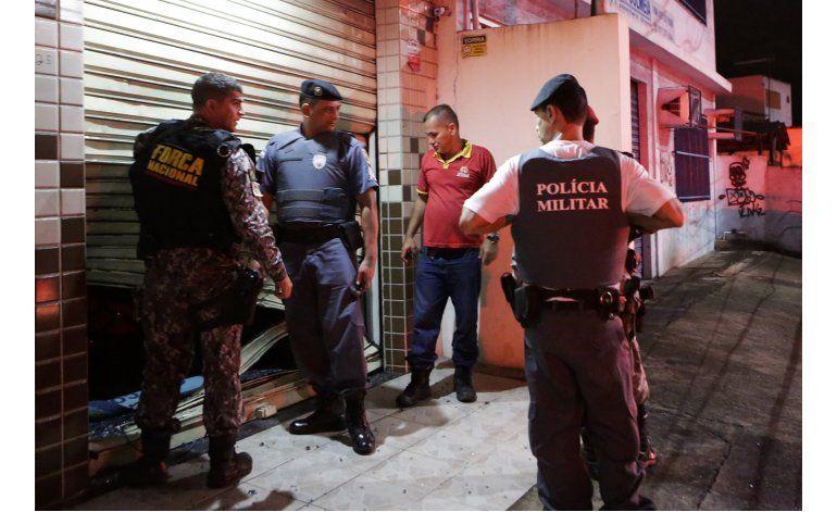 Brasil: Policías regresan a laborar por 2do día tras huelga