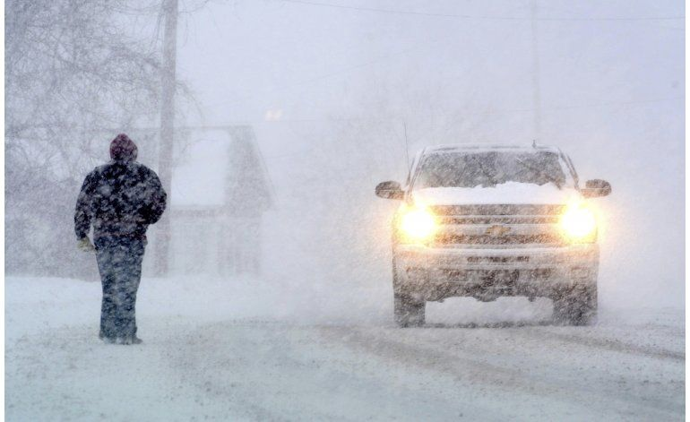 Prevén nuevas nevadas y fuertes ráfagas en noreste de EEUU