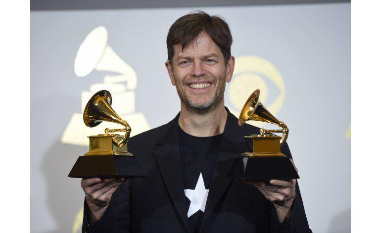 Músicos de Blackstar reciben 3 Grammy de Bowie