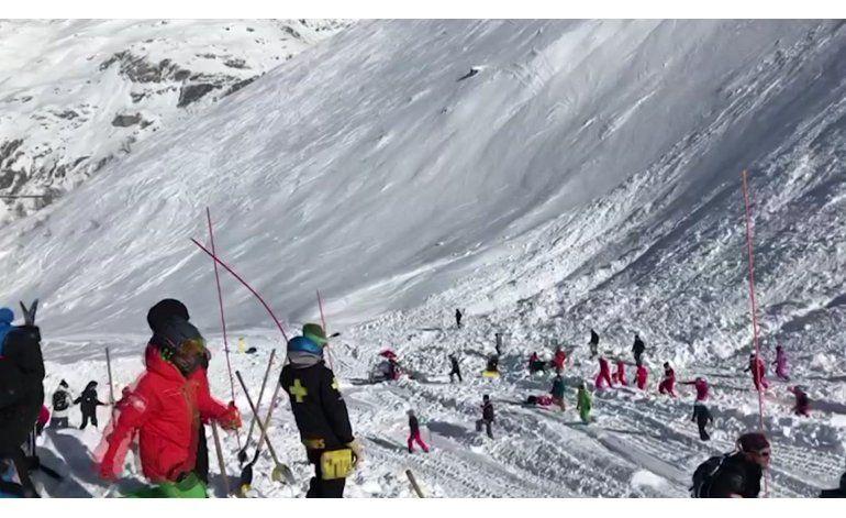 Cuatro muertos por avalancha en centro de esquí en Francia