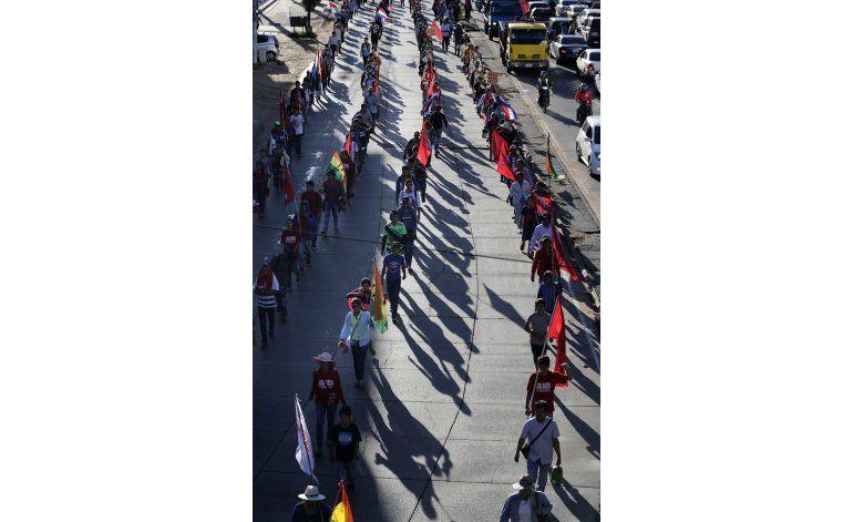 Paraguay: campesinos protestan contra presidente Cartes