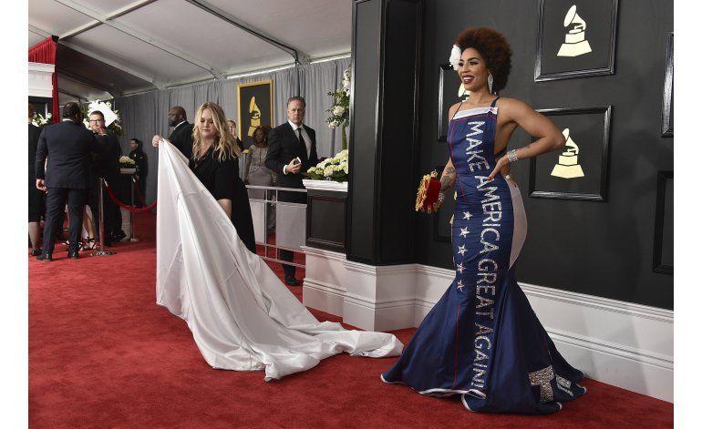 Vestido pro Trump de Joy Villa impulsa ventas de su álbum