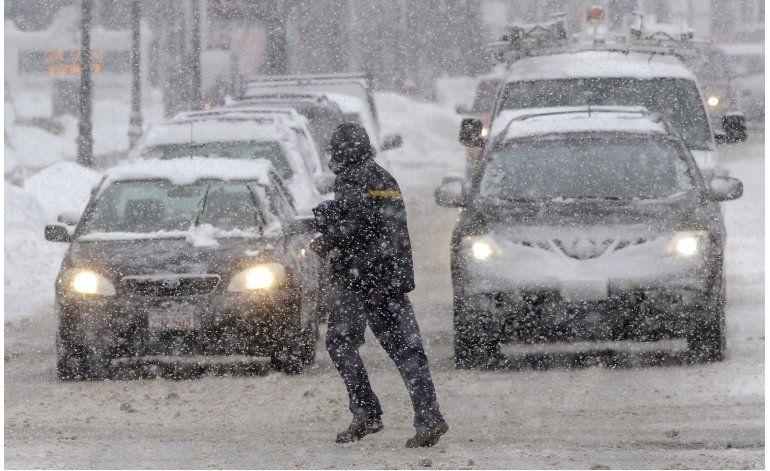 Nuevas nevadas azotan noreste de EEUU; reportan una muerte