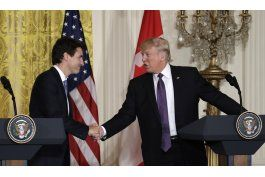 trudeau y trump hablan sobre comercio en casa blanca