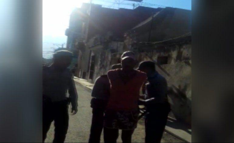 Cubanos protestan ante redada policial