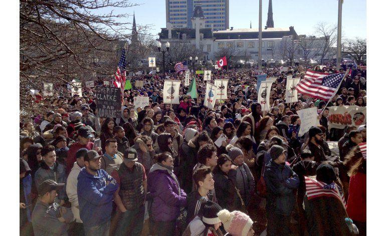 Protestan contra plan migratorio de Milwaukee