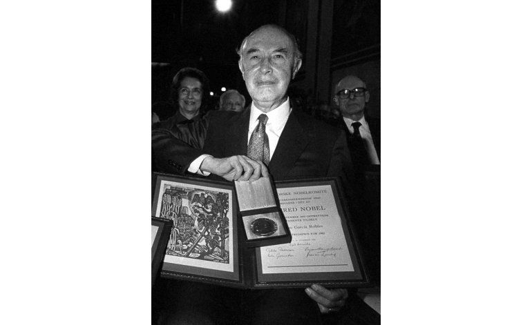 Subastan medalla de Nobel a experto mexicano en desarme