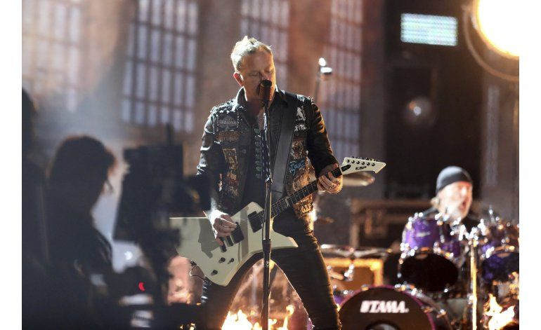 Con buenos micrófonos Metallica saldrá de gira