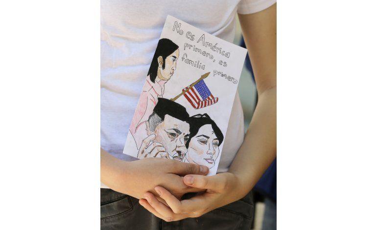Miami: niños ruegan al alcalde que evite deportaciones