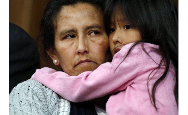EEUU: Migrante se refugia en iglesia para evitar deportación