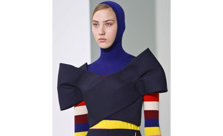 Delpozo apuesta por el color en la Semana de la Moda