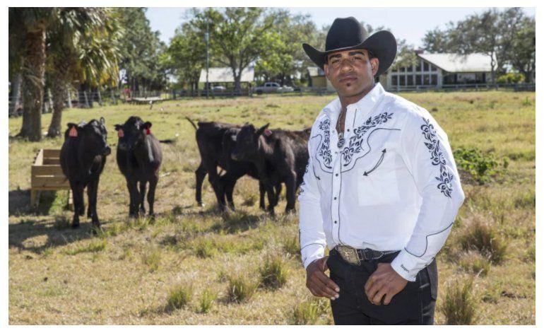 Yoenis Céspedes muestra su millonario rancho La Potencia
