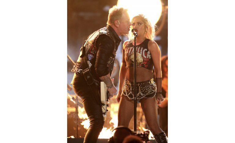 Productor de los Grammy se disculpa por falla con Metallica