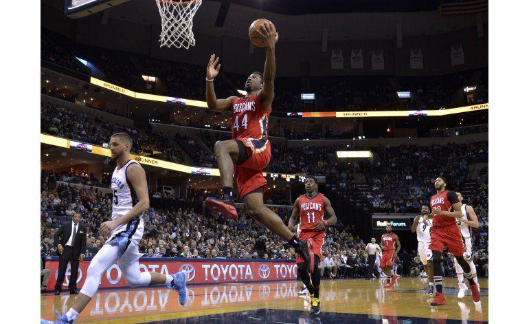 Hill y Davis llevan a Pelicans al triunfo sobre Grizzlies