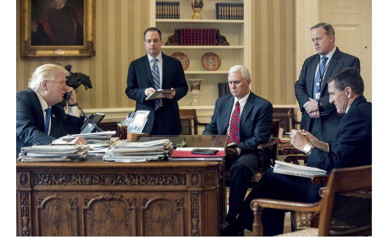 Las crisis asedian al joven gobierno de Donald Trump
