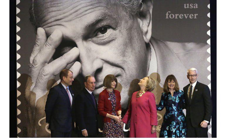 Hillary Clinton: Oscar de La Renta inspiró a inmigrantes