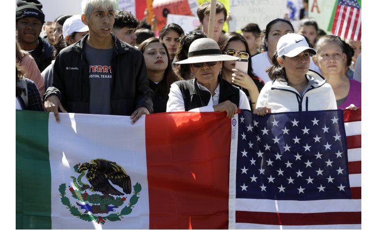 Realizan protestas de día sin inmigrantes en EEUU